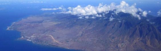 West Maui Mountains. Photo courtesy of Manue Martinez.